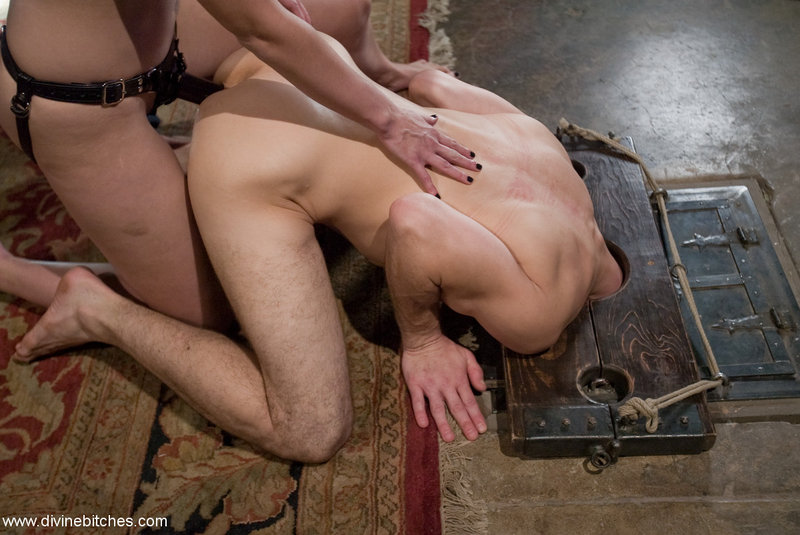 Women humiliate men in bdsm Amy Matthews